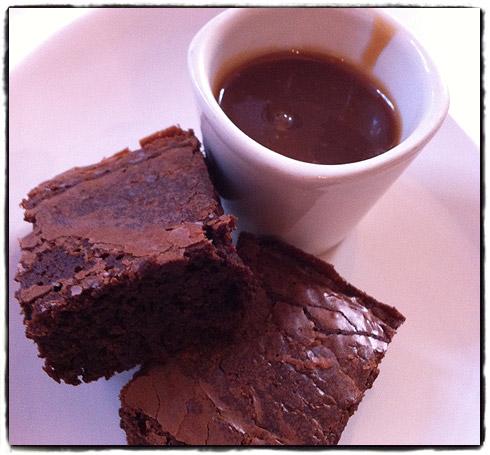 Brownies met soja karamelsous