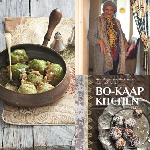 """Janap Isaacs en haar Ouvrou onder die Kombers-koolfrikkadelle uit """"Bo-Kaap Kitchen"""" deur Quivertree Publishers. Fotograaf: Craig Fraser."""