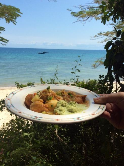 Kos-ervaring. Kook op die strand. Zanzibar.