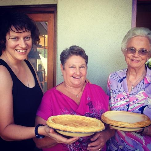 Melktertsusters:  Sophia van Taak (Weg), Barbara Jooste en Elizabeth Cloete.