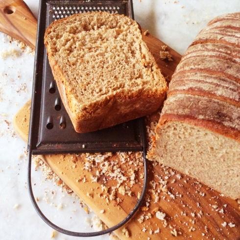 Daar is meer moderne maniere om jou eie broodkrummels te maak as my ouma se rasper!